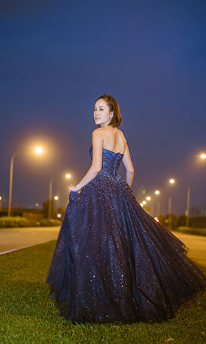 Scenery Gown 33